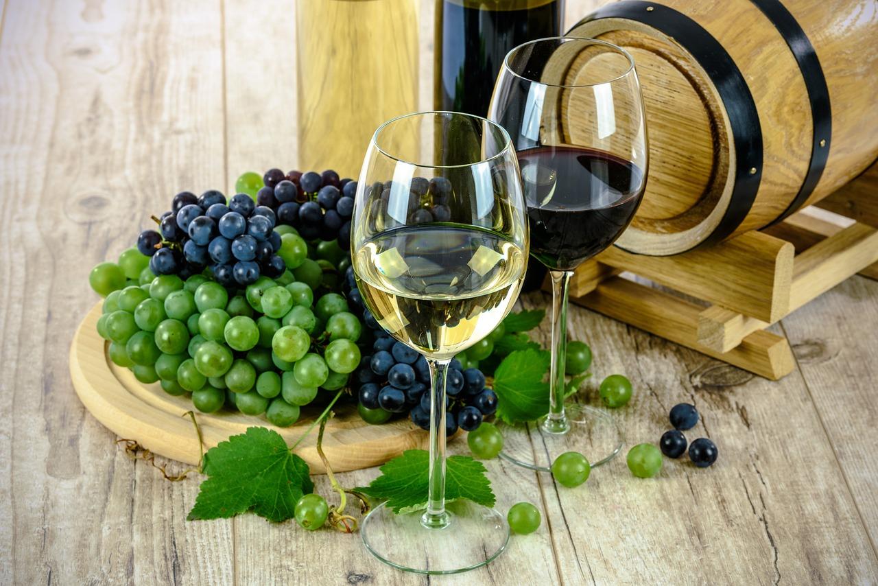 שני כוסות יין