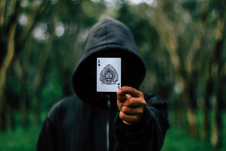 קוסם שולף קלף