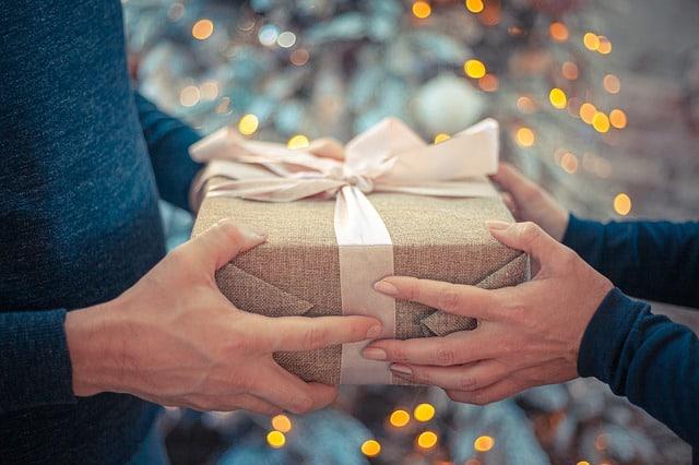 לבחור את המתנה המושלמת לאירוע שלכם